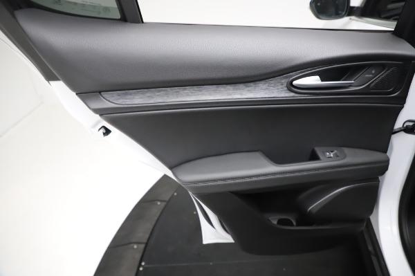 New 2021 Alfa Romeo Stelvio Q4 for sale $49,785 at Bentley Greenwich in Greenwich CT 06830 21