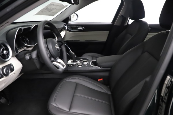 New 2021 Alfa Romeo Giulia Q4 for sale $46,895 at Bentley Greenwich in Greenwich CT 06830 14