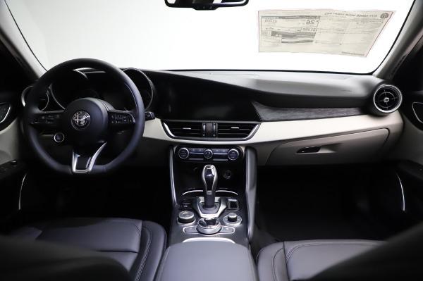 New 2021 Alfa Romeo Giulia Q4 for sale $46,895 at Bentley Greenwich in Greenwich CT 06830 16