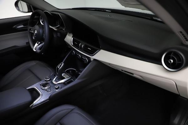 New 2021 Alfa Romeo Giulia Q4 for sale $46,895 at Bentley Greenwich in Greenwich CT 06830 22