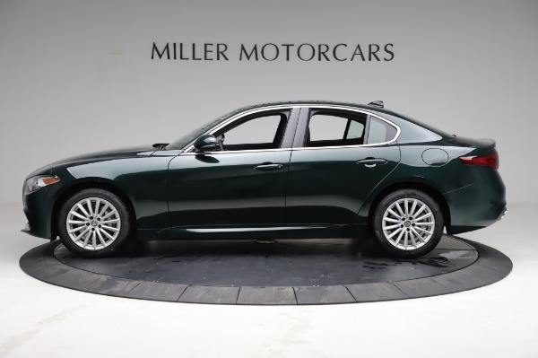 New 2021 Alfa Romeo Giulia Q4 for sale $46,895 at Bentley Greenwich in Greenwich CT 06830 3