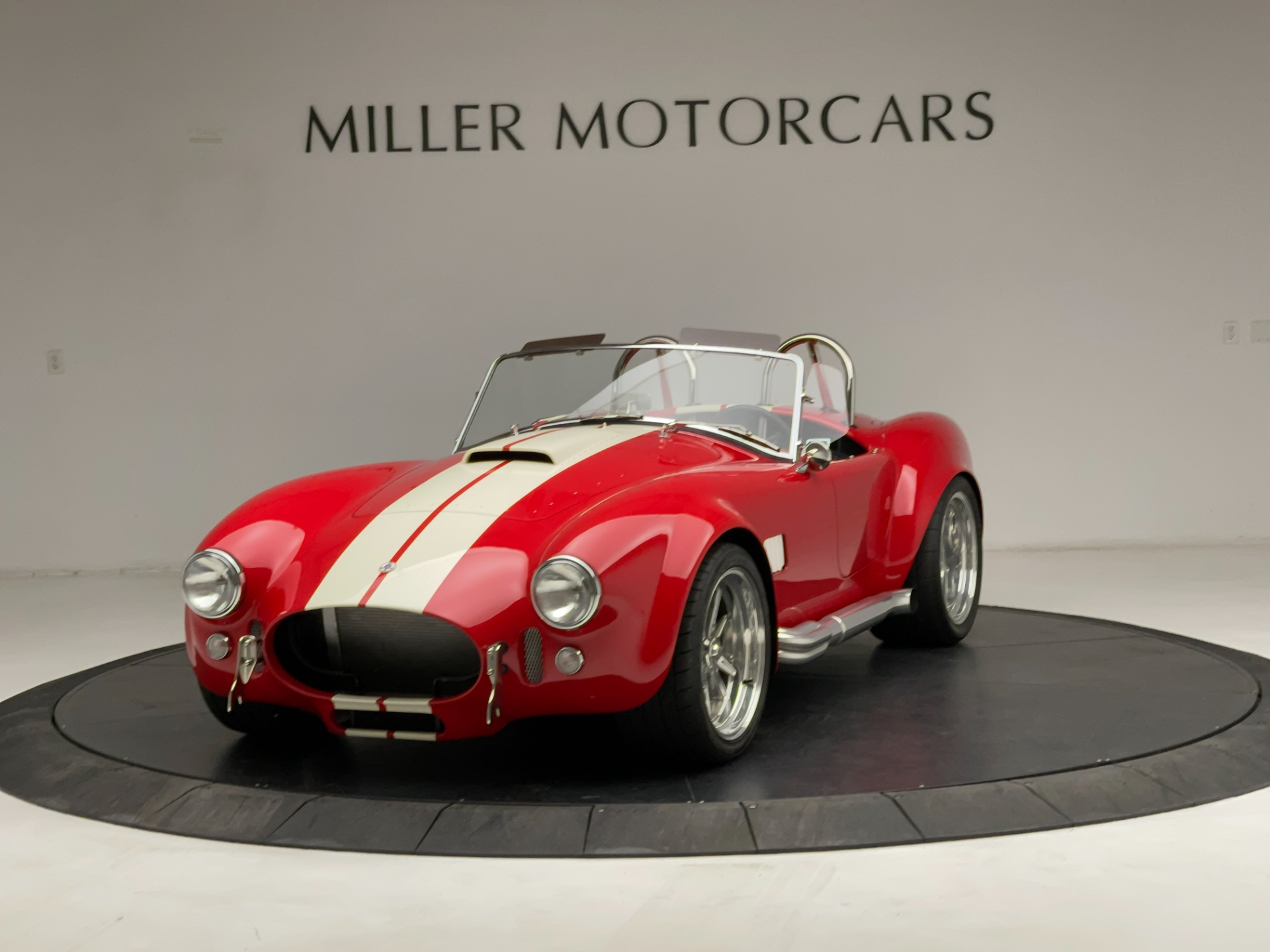 Used 2020 Shelby Cobra Superformance for sale $89,900 at Bentley Greenwich in Greenwich CT 06830 1