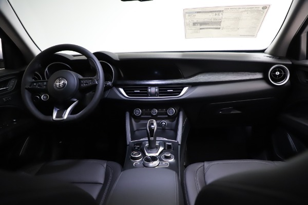 New 2021 Alfa Romeo Stelvio Q4 for sale Sold at Bentley Greenwich in Greenwich CT 06830 18