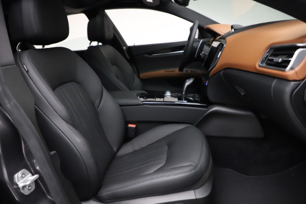 New 2021 Maserati Ghibli S Q4 for sale $90,525 at Bentley Greenwich in Greenwich CT 06830 23