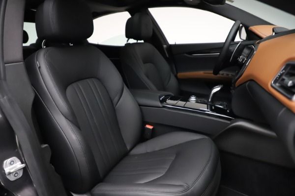 New 2021 Maserati Ghibli S Q4 for sale $90,525 at Bentley Greenwich in Greenwich CT 06830 24