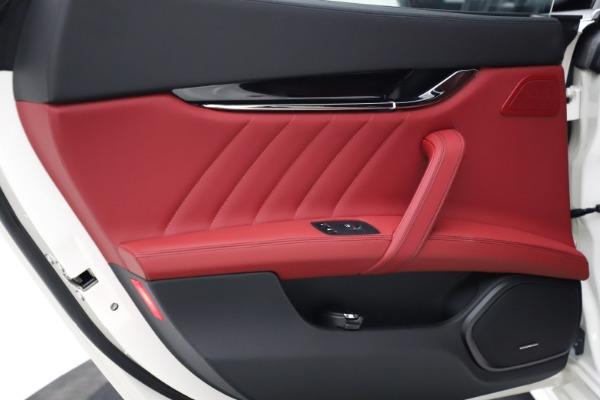 New 2021 Maserati Quattroporte S Q4 GranLusso for sale $122,349 at Bentley Greenwich in Greenwich CT 06830 19