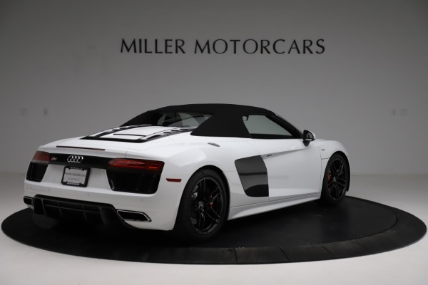 Used 2018 Audi R8 Spyder for sale $154,900 at Bentley Greenwich in Greenwich CT 06830 17