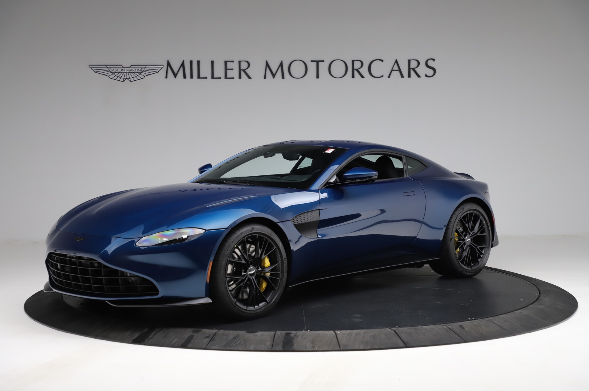 New 2021 Aston Martin Vantage Coupe for sale $179,386 at Bentley Greenwich in Greenwich CT 06830 1
