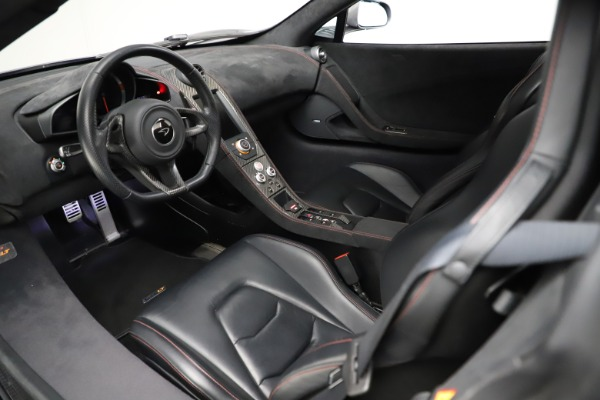 Used 2016 McLaren 675LT Spider for sale $275,900 at Bentley Greenwich in Greenwich CT 06830 22