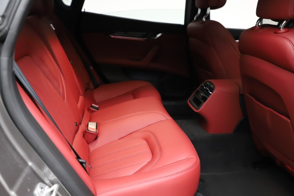 New 2021 Maserati Quattroporte S Q4 GranLusso for sale $122,435 at Bentley Greenwich in Greenwich CT 06830 24