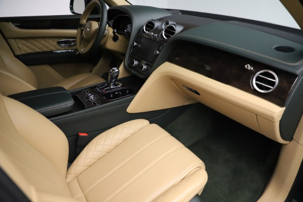 Used 2018 Bentley Bentayga W12 Signature for sale $159,900 at Bentley Greenwich in Greenwich CT 06830 24