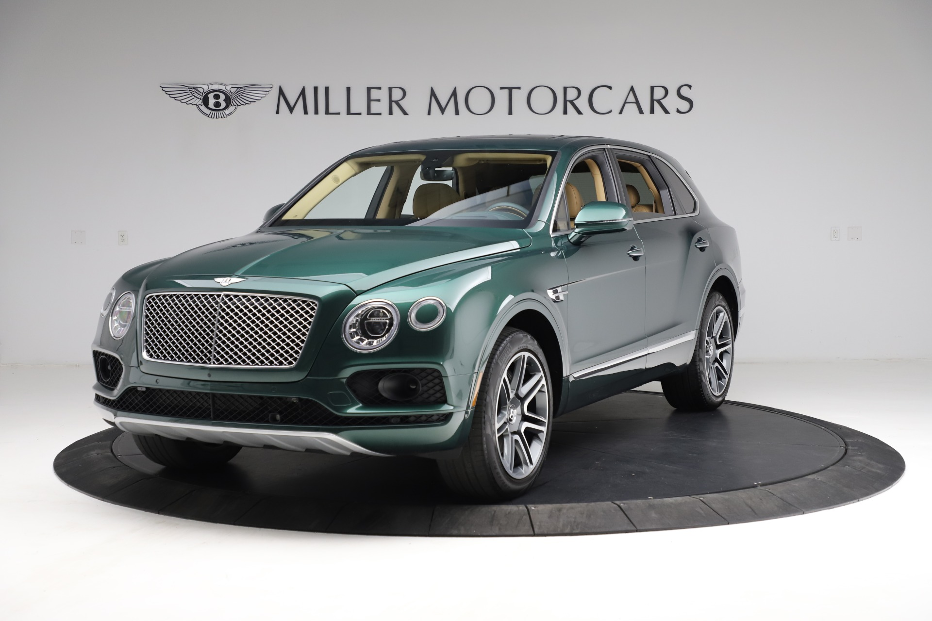 Used 2018 Bentley Bentayga W12 Signature for sale $159,900 at Bentley Greenwich in Greenwich CT 06830 1