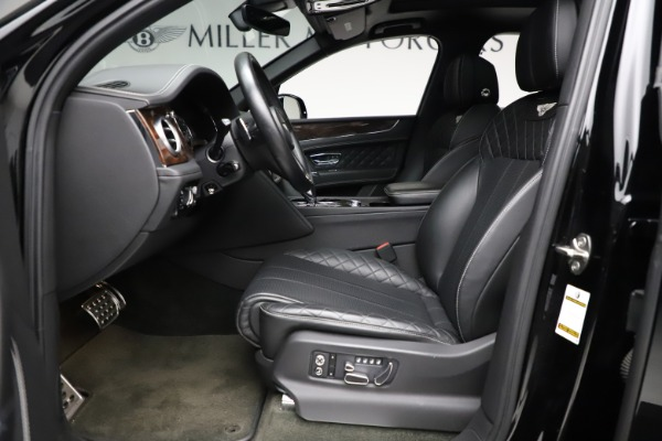 Used 2018 Bentley Bentayga W12 Signature for sale $153,900 at Bentley Greenwich in Greenwich CT 06830 19