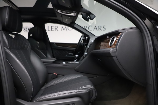Used 2018 Bentley Bentayga W12 Signature for sale $153,900 at Bentley Greenwich in Greenwich CT 06830 27