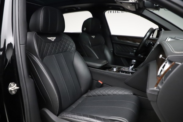 Used 2018 Bentley Bentayga W12 Signature for sale $153,900 at Bentley Greenwich in Greenwich CT 06830 28