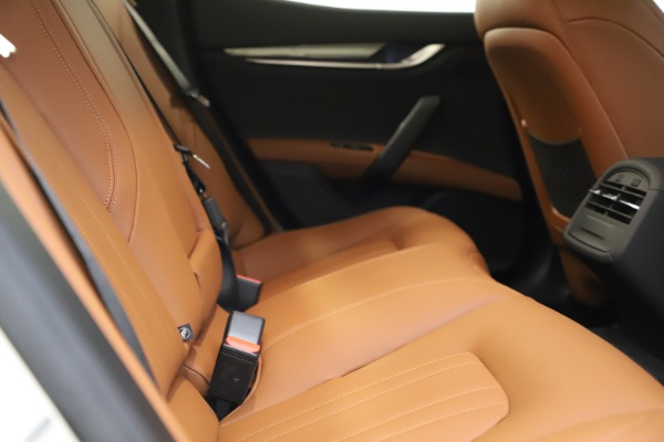 New 2021 Maserati Ghibli S Q4 for sale $85,754 at Bentley Greenwich in Greenwich CT 06830 21