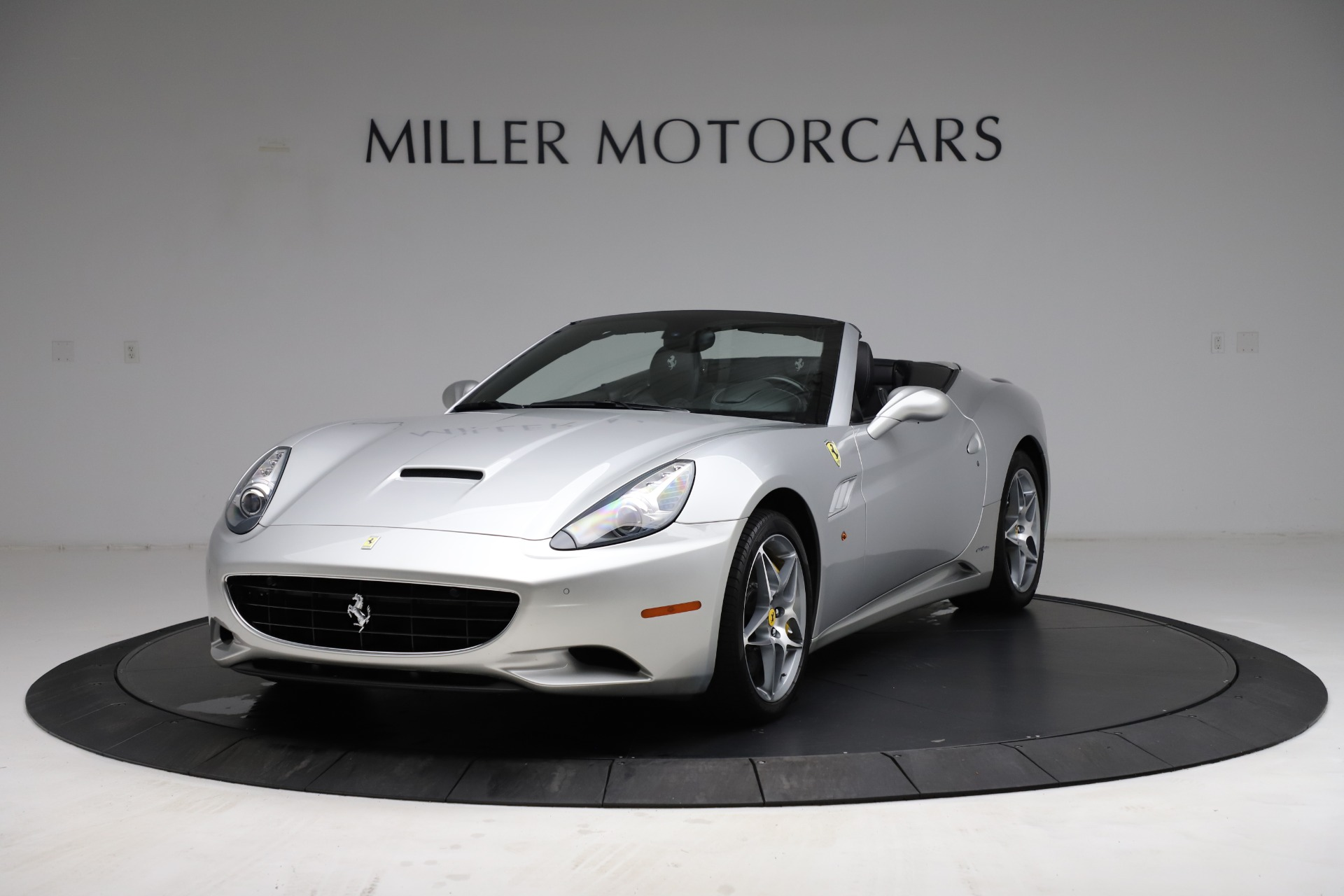 Used 2010 Ferrari California for sale $114,900 at Bentley Greenwich in Greenwich CT 06830 1