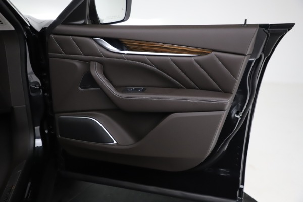 New 2021 Maserati Levante S Q4 GranLusso for sale $100,949 at Bentley Greenwich in Greenwich CT 06830 21