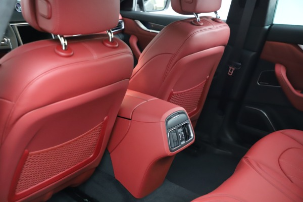 New 2021 Maserati Levante S Q4 GranLusso for sale $105,549 at Bentley Greenwich in Greenwich CT 06830 17