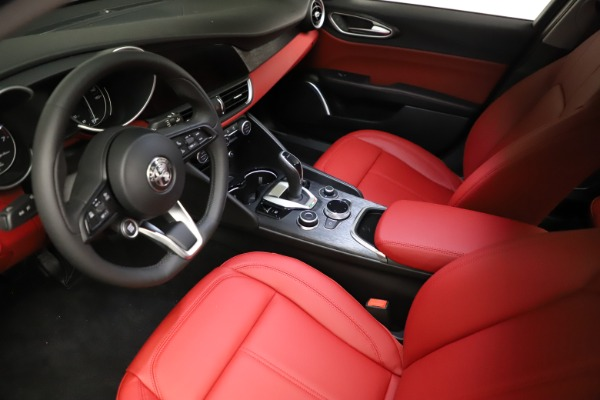 New 2021 Alfa Romeo Giulia Q4 for sale $48,535 at Bentley Greenwich in Greenwich CT 06830 13