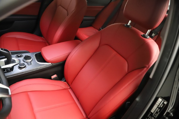 New 2021 Alfa Romeo Giulia Q4 for sale $48,535 at Bentley Greenwich in Greenwich CT 06830 15