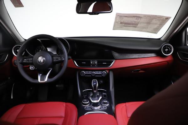 New 2021 Alfa Romeo Giulia Q4 for sale $48,535 at Bentley Greenwich in Greenwich CT 06830 16