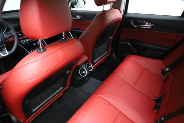 New 2021 Alfa Romeo Giulia Q4 for sale $48,535 at Bentley Greenwich in Greenwich CT 06830 18
