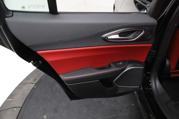 New 2021 Alfa Romeo Giulia Q4 for sale $48,535 at Bentley Greenwich in Greenwich CT 06830 21