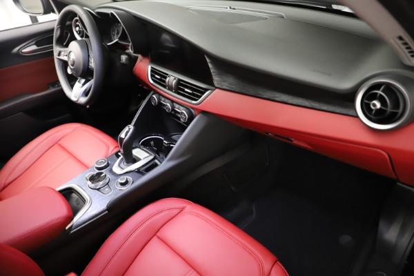 New 2021 Alfa Romeo Giulia Q4 for sale $48,535 at Bentley Greenwich in Greenwich CT 06830 22