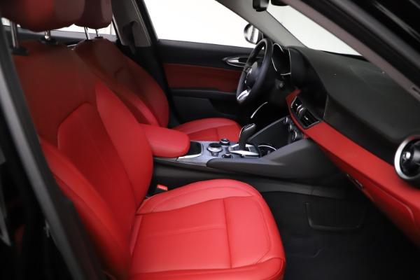 New 2021 Alfa Romeo Giulia Q4 for sale $48,535 at Bentley Greenwich in Greenwich CT 06830 23