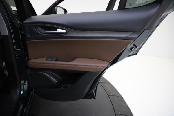 New 2021 Alfa Romeo Stelvio Ti Q4 for sale $53,650 at Bentley Greenwich in Greenwich CT 06830 24