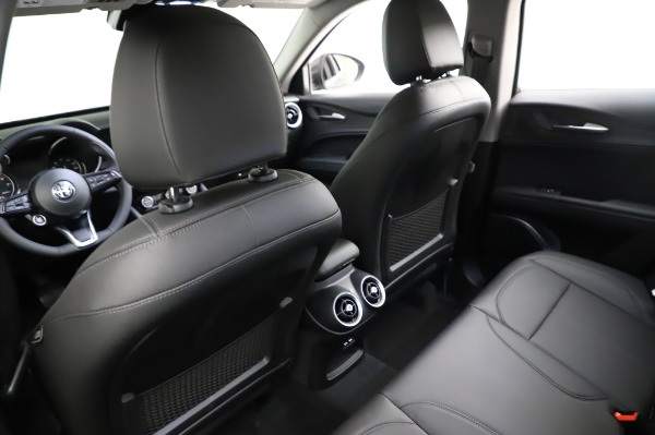 New 2021 Alfa Romeo Stelvio Q4 for sale $48,900 at Bentley Greenwich in Greenwich CT 06830 18