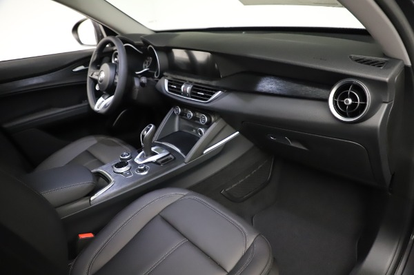 New 2021 Alfa Romeo Stelvio Q4 for sale $48,900 at Bentley Greenwich in Greenwich CT 06830 22