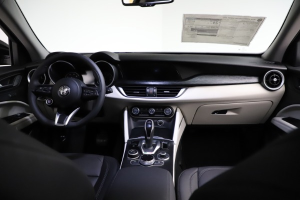 New 2021 Alfa Romeo Stelvio Q4 for sale $50,245 at Bentley Greenwich in Greenwich CT 06830 16