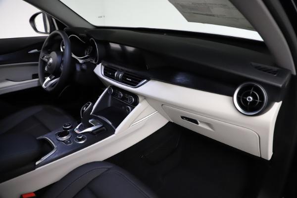 New 2021 Alfa Romeo Stelvio Q4 for sale $50,245 at Bentley Greenwich in Greenwich CT 06830 22