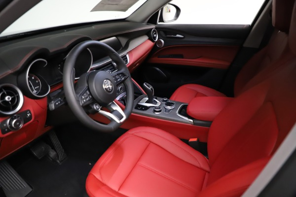 New 2021 Alfa Romeo Stelvio Ti Q4 for sale $55,500 at Bentley Greenwich in Greenwich CT 06830 14