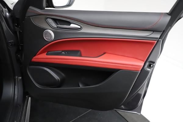 New 2021 Alfa Romeo Stelvio Ti Q4 for sale $55,500 at Bentley Greenwich in Greenwich CT 06830 23