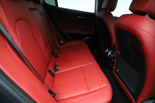 New 2021 Alfa Romeo Stelvio Ti Q4 for sale $55,500 at Bentley Greenwich in Greenwich CT 06830 25