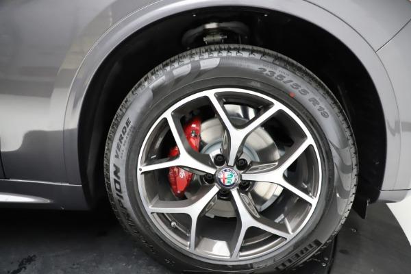 New 2021 Alfa Romeo Stelvio Ti Q4 for sale $55,500 at Bentley Greenwich in Greenwich CT 06830 28