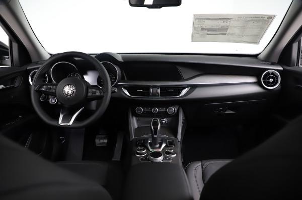New 2021 Alfa Romeo Stelvio Ti Q4 for sale $53,500 at Bentley Greenwich in Greenwich CT 06830 18