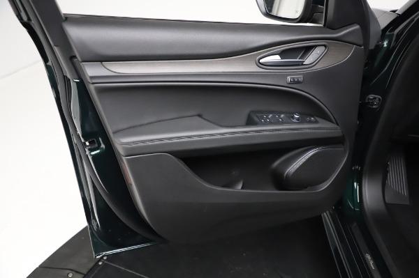 New 2021 Alfa Romeo Stelvio Ti Q4 for sale $53,500 at Bentley Greenwich in Greenwich CT 06830 19