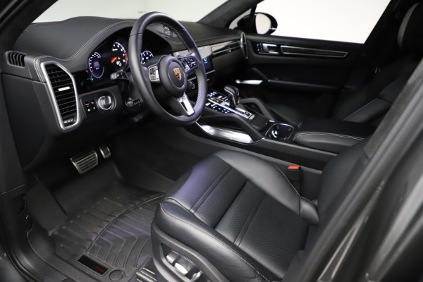 Used 2020 Porsche Cayenne Turbo for sale $145,900 at Bentley Greenwich in Greenwich CT 06830 18