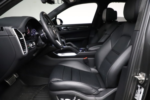 Used 2020 Porsche Cayenne Turbo for sale $145,900 at Bentley Greenwich in Greenwich CT 06830 19