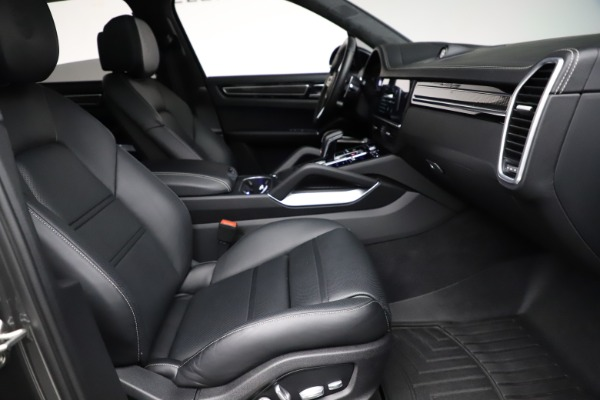 Used 2020 Porsche Cayenne Turbo for sale $145,900 at Bentley Greenwich in Greenwich CT 06830 23