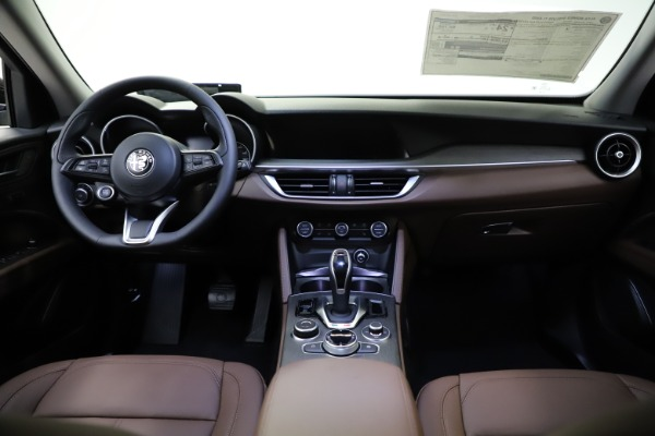 New 2021 Alfa Romeo Stelvio Ti for sale $53,650 at Bentley Greenwich in Greenwich CT 06830 17