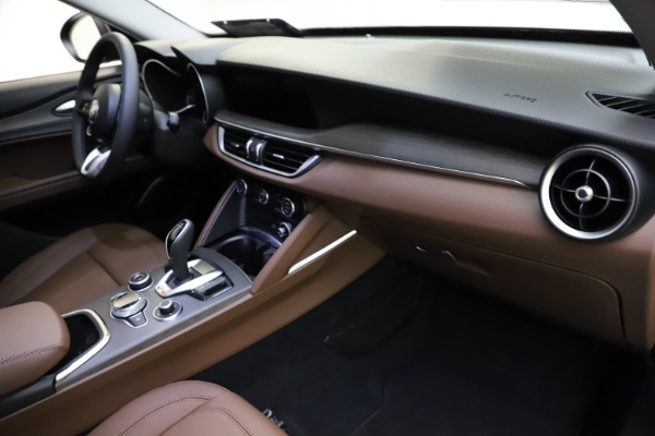 New 2021 Alfa Romeo Stelvio Ti for sale $53,650 at Bentley Greenwich in Greenwich CT 06830 22