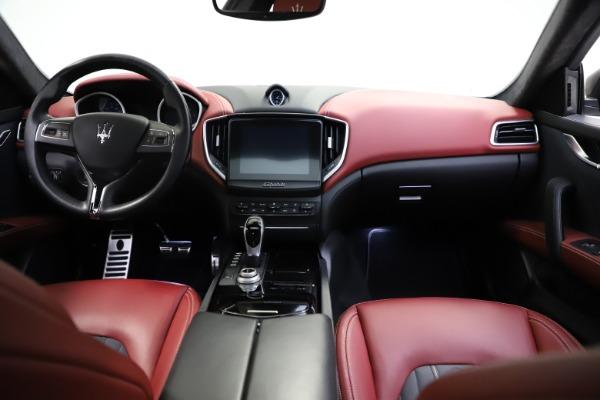 Used 2018 Maserati Ghibli SQ4 GranLusso for sale $55,900 at Bentley Greenwich in Greenwich CT 06830 11