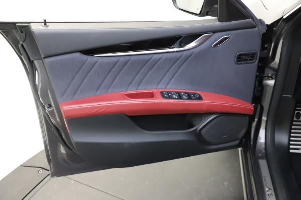 Used 2018 Maserati Ghibli SQ4 GranLusso for sale $55,900 at Bentley Greenwich in Greenwich CT 06830 12