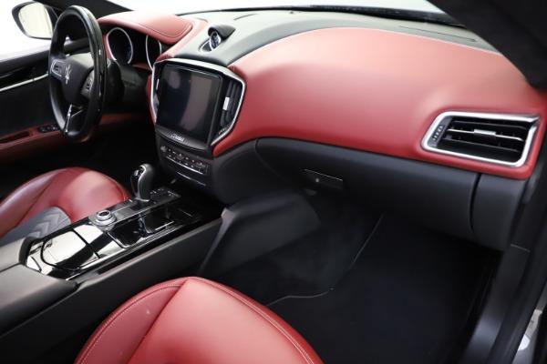 Used 2018 Maserati Ghibli SQ4 GranLusso for sale $55,900 at Bentley Greenwich in Greenwich CT 06830 16