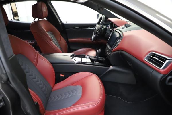 Used 2018 Maserati Ghibli SQ4 GranLusso for sale $55,900 at Bentley Greenwich in Greenwich CT 06830 17